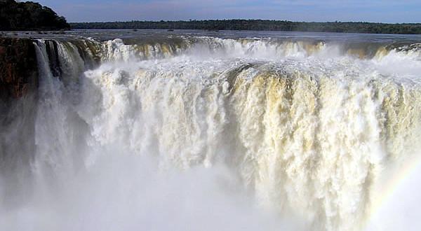 Garganta do Diabo, Cataratas do Iguaçu, Brasil-Argentina. Author and Copyright Marco Ramerini