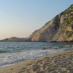 A praia de Petani, Cefalônia, Ilhas Jónicas, Grécia. Author and Copyright Niccolò di Lalla