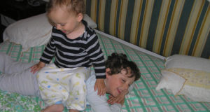 Crianças brincando. Autor and Copyright Marco Ramerini