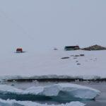Refugio Bahía Dorian (Argentina), Dorian Bay, Wiencke Island, Arquipélago Palmer, Antártida. Autor e Copyright Marco Ramerini