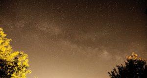 Foto Via Láctea das colinas de Chianti (Toscana), Itália. Lens 11 milímetros 11 mm velocidade do obturador 30'' com nenhum seguimento, ISO 1600. Autor Marco Ramerini