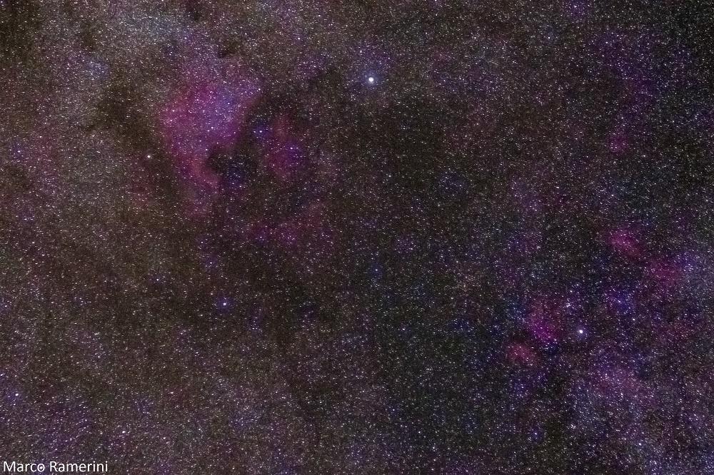 Nebulosa Nord America, Cygnus. Objetiva Canon USM(70-300 mm) 70 mm F 4.0, ISO 1600, velocidade do obturador 2 minutos, seguindo com a Sky Adventurer SkyWatcher. Autor e Copyright Marco Ramerini
