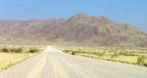 Naukluft Mountains (Naukluftberge), Namib-Naukluft N.P., Namíbia. Author and Copyright Marco Ramerini