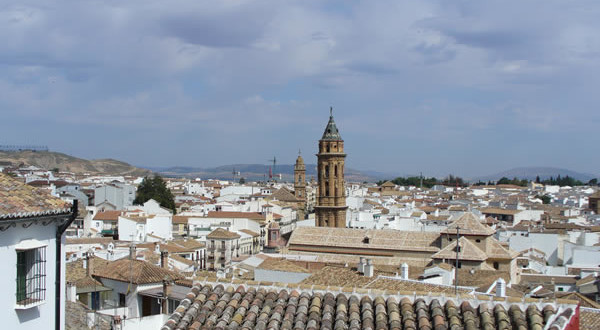 Antequera, Andaluzia, Espanha. Author and Copyright Liliana Ramerini