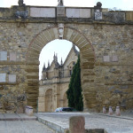 Arco de los Gigantes, Antequera, Andaluzia, Espanha. Author and Copyright Liliana Ramerini