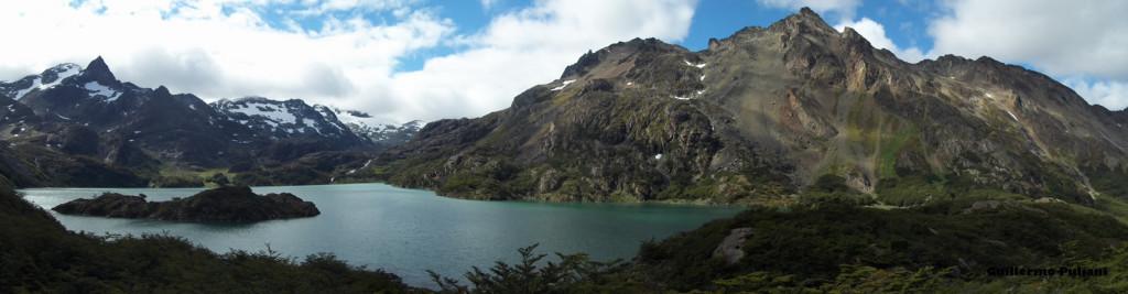 Lago Superior, Tierra del Fuego, Argentina. Autor e Copyright Guillermo Puliani
