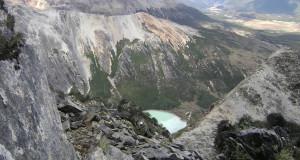 Laguna esmeralda de Co. Bonete, Tierra del Fuego, Argentina. Autor e Copyright Guillermo Puliani