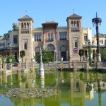 Pabellón Mudéjar (Museo de Artes y Costumbres Populares), Plaza de América, Sevilha, Andaluzia, Espanha. Author and Copyright Liliana Ramerini