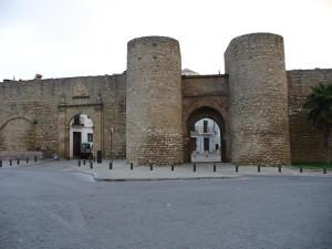 Puerta de Carlos V y puerta del Almocábar, Ronda, Andaluzia, Espanha. Author and Copyright Liliana Ramerini