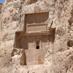 O túmulo de Dario II, Naqsh-e Rostam, Irã. Autor e Copyright Marco Ramerini