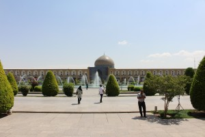 Mesquita de Sheikh Lotfollah na Praça de Naqsh-e Jahan, Isfahan, Irã. Autor e Copyright Marco Ramerini,