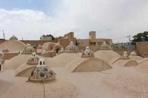Telhado do Banho público do Sultan Amir Ahmad, Kashan, Irã. Autor e Copyright Marco Ramerini.