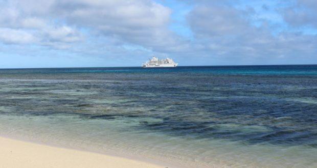 Reef Endevour, Captain Cook Cruises, Fiji. Autor e Copyright Marco Ramerini