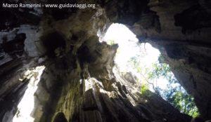 A caverna de Sawa-I-Lau, Yasawa, Fiji. Autor e Copyright Marco Ramerini
