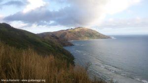 A costa ao sul de Yalobi e a ilha de Wayasewa, Waya, Ilhas Yasawa, Fiji. Autor e Copyright Marco Ramerini