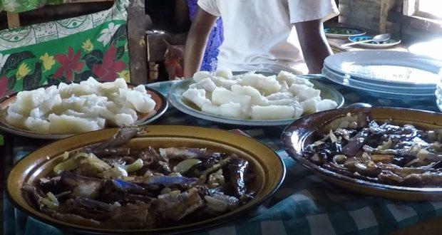 Almoço vegetariano de Fiji. Autor e Copyright Marco Ramerini