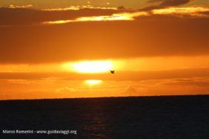 Pôr do sol, Nacula, Ilhas Yasawa, Fiji. Autor e Copyright Marco Ramerini