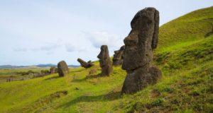 Rano Raraku, Ilha de Páscoa, Chile. Autor e Copyright Marco Ramerini