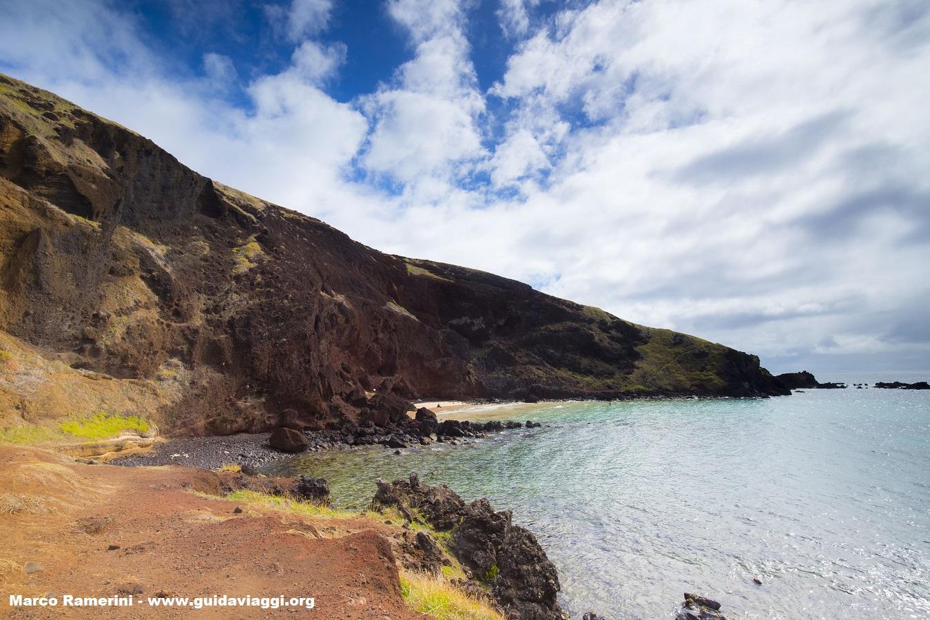 Ovahe, Ilha de Páscoa, Chile. Autor e Copyright Marco Ramerini.