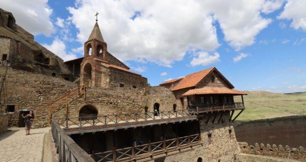 Mosteiro de Davit Gareja, Geórgia. Autor e Copyright Marco Ramerini