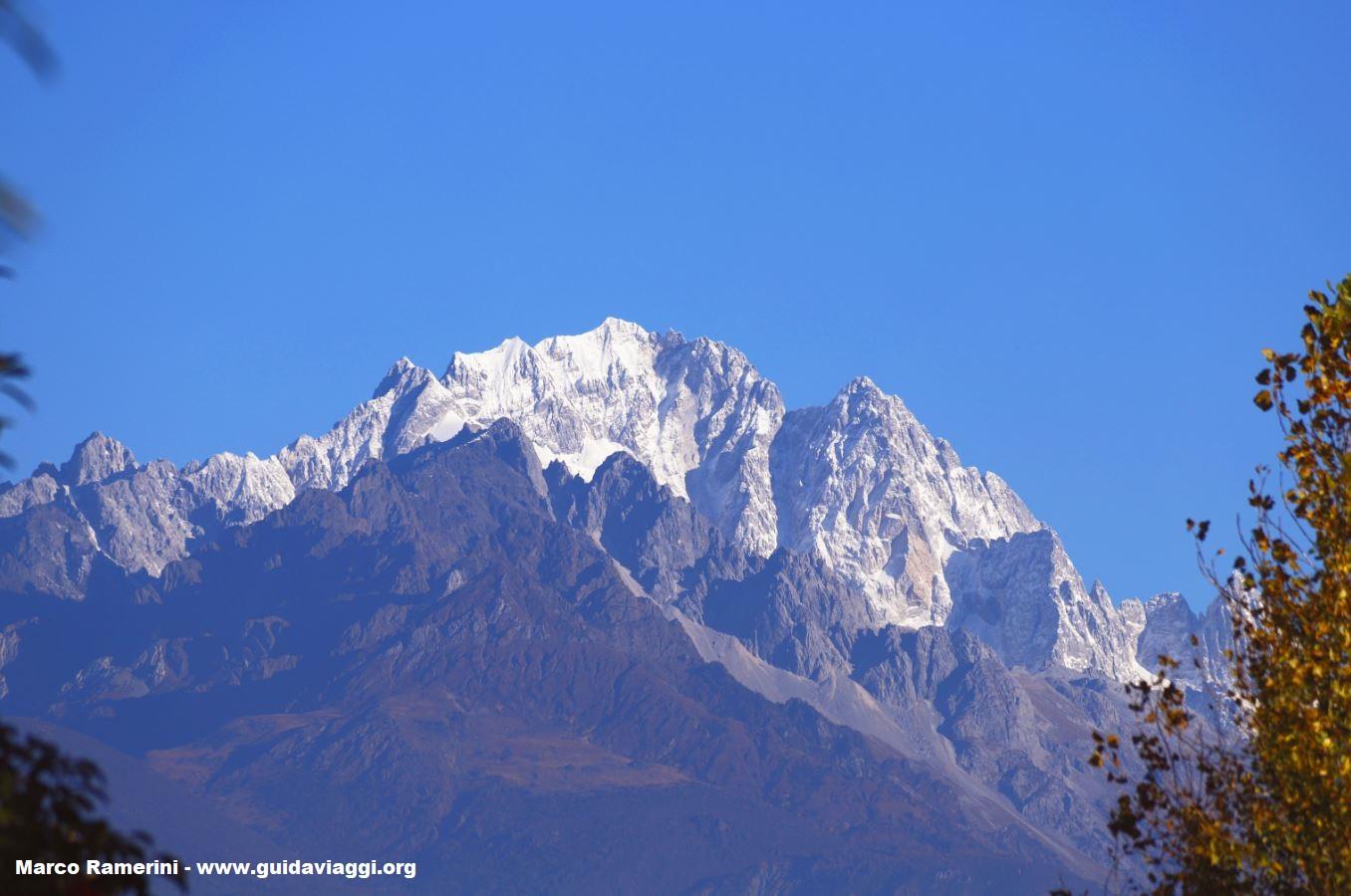 Montanha de Neve Dragão de Jade (Yulongxue Shan), Yunnan, China. Autor e Copyright Marco Ramerini