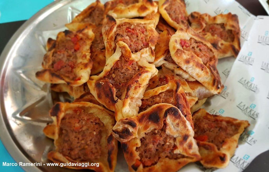 Sfiha, um lanche à base de carne do Vale do Beqa, no Líbano. Autor e Copyright Marco Ramerini