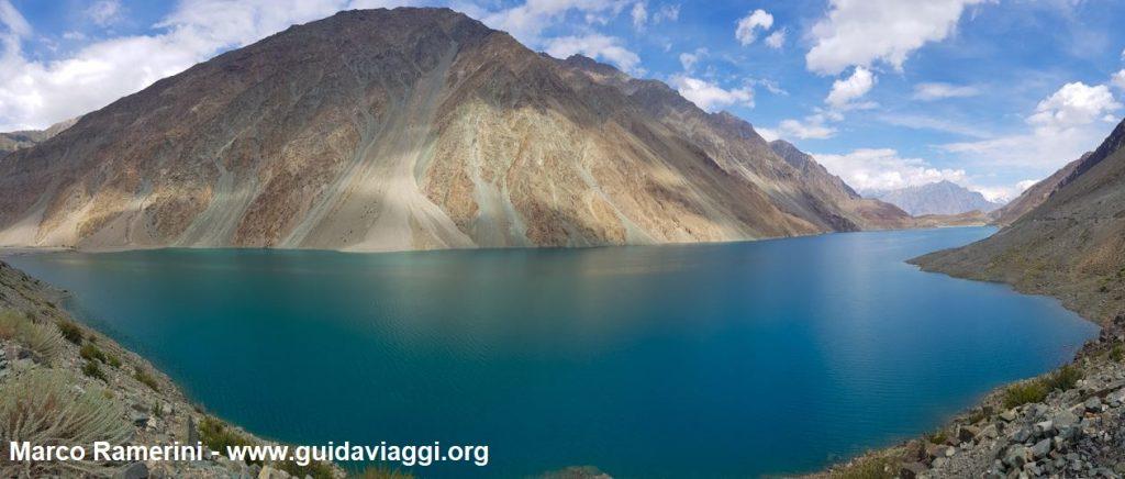 O Lago Satpara perto de Skardu, Baltistão, Paquistão. Autor e Copyright Marco Ramerini