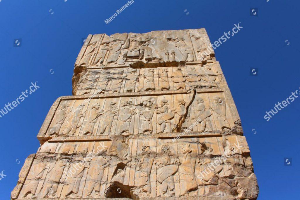 Persépolis, Irã. Palácio das 100 colunas. Persépolis, a capital cerimonial do Império Persa (Império Aquemênida). Autor e copyright Marco Ramerini,.