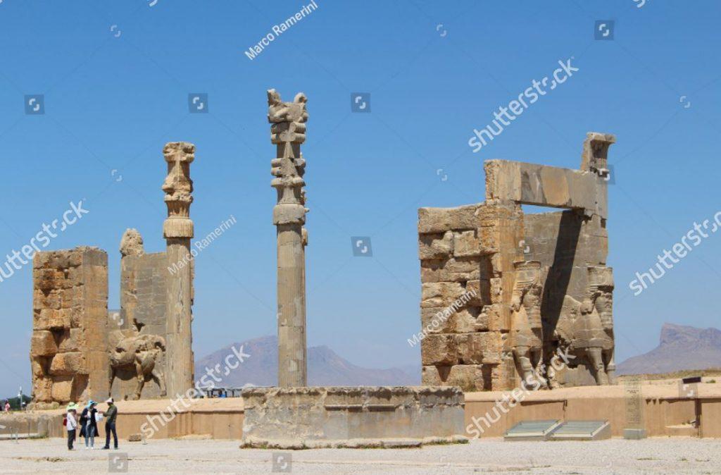 Persépolis. Porta de todas as nações. Ruínas da capital cerimonial do Império Persa (Império Aquemênida), Irã. Autor e Copyright Marco Ramerini.