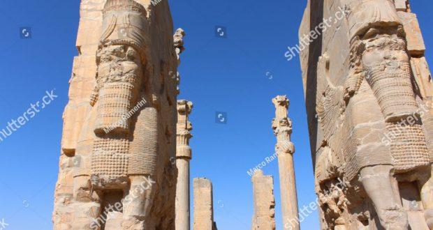 Porta de todas as nações. Ruínas da capital cerimonial do Império Persa (Império Aquemênida), Irã. Autor e Copyright Marco Ramerini.