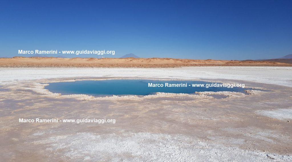 As piscinas de Ojos de Mar, Tolar Grande, Argentina. Autor e direitos autorais Marco Ramerini