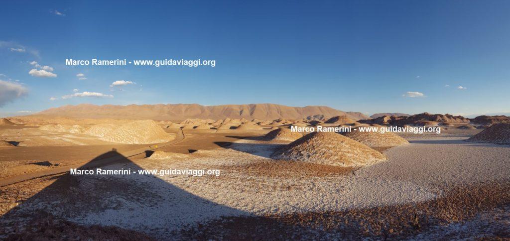 A paisagem espetacular em torno da vila de Tolar Grande, Argentina. Autor e direitos autorais Marco Ramerini