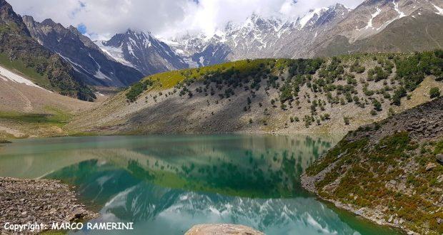 Lago Rama e as encostas do Nanga Parbat, Paquistão. Autor e Copyright Marco Ramerini