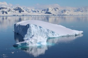 Icebergs, Antártida. Autor e Copyright Marco Ramerini