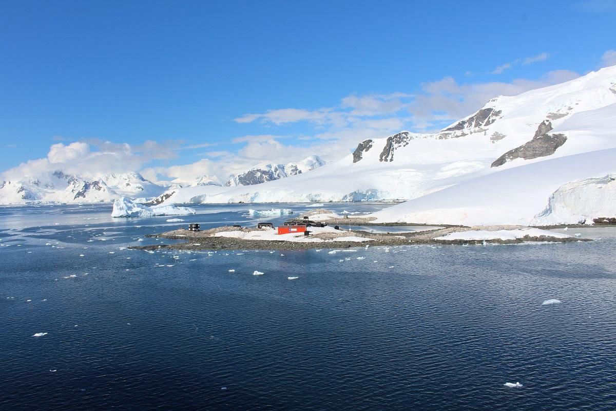 A base chilena antártica González Videla, Waterboat Point, Paradise Harbor, Antártida. Autor e Copyright Marco Ramerini